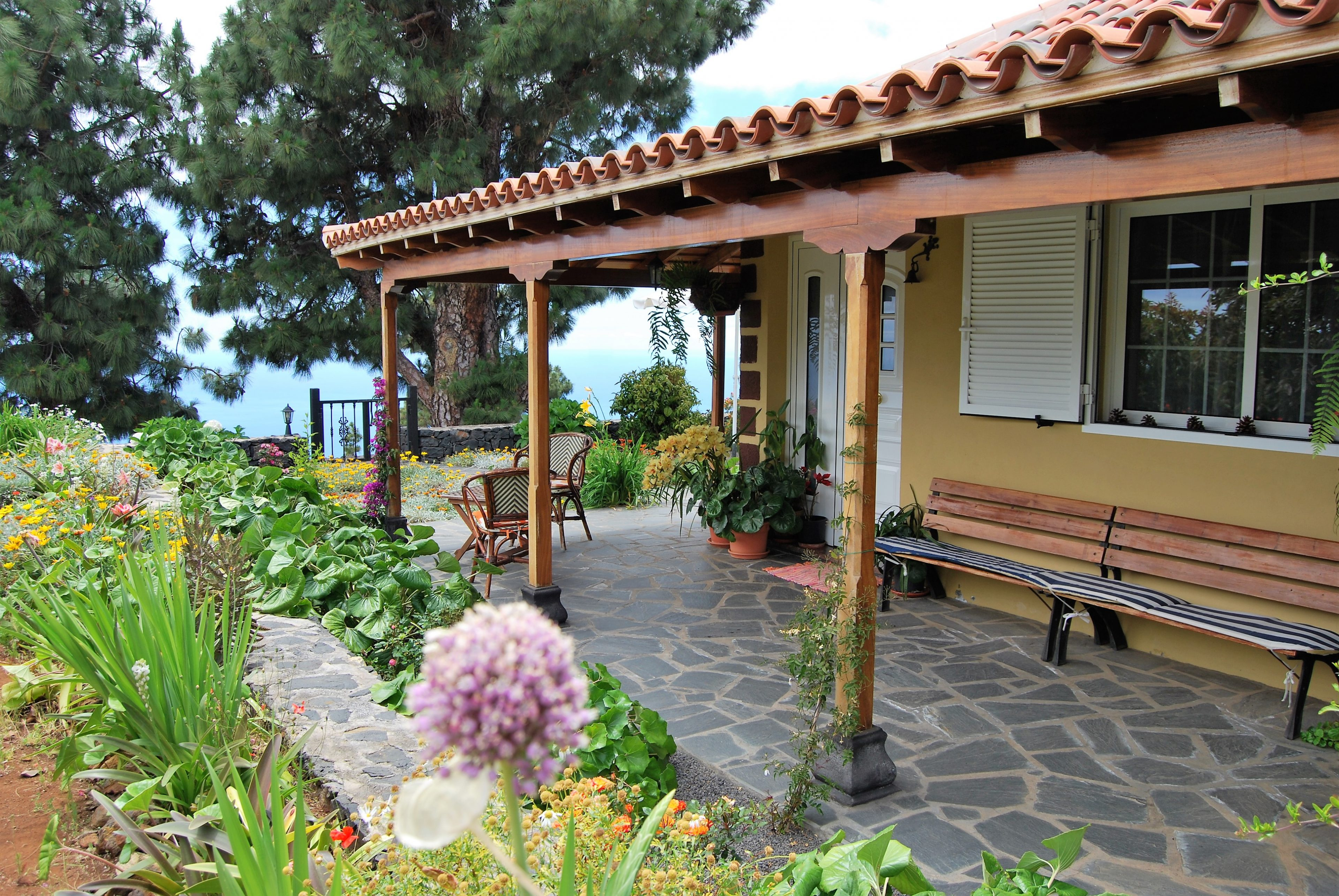 Tuin rondom de villa
