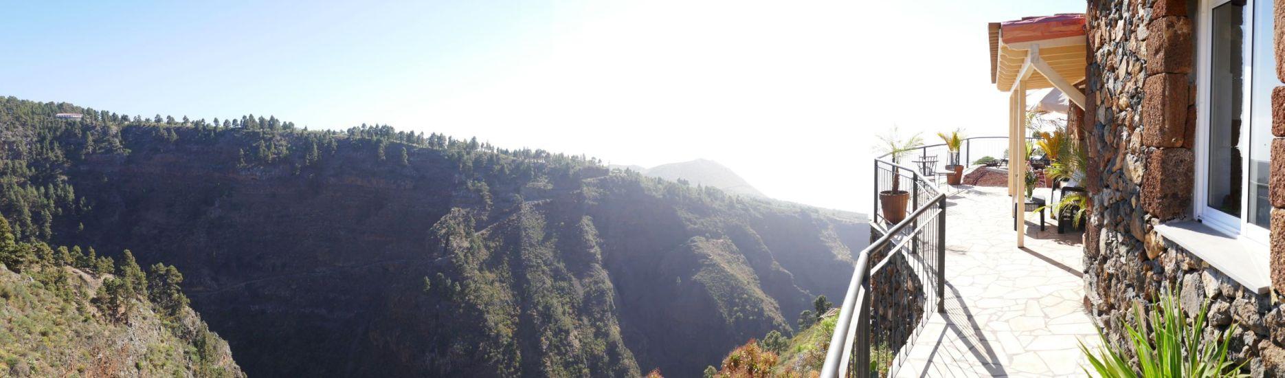 Panorama vanaf het terras van vakantiehuis Las Tricias.