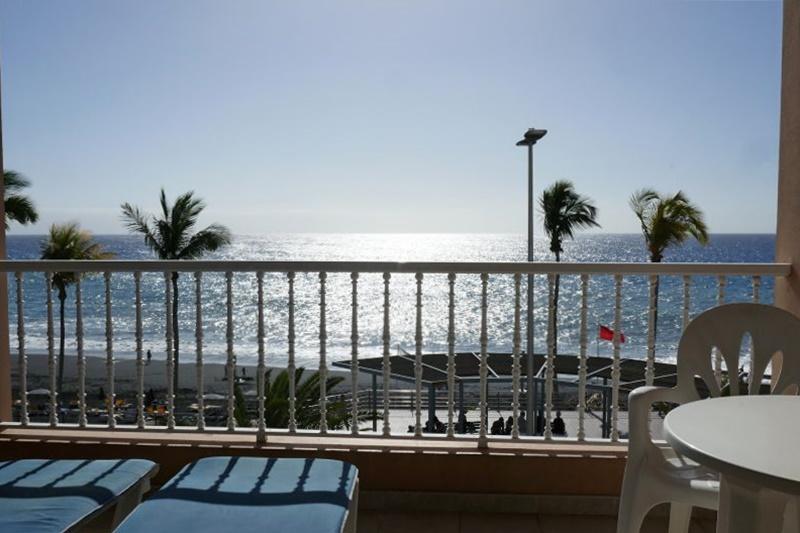 Balkon aan zee